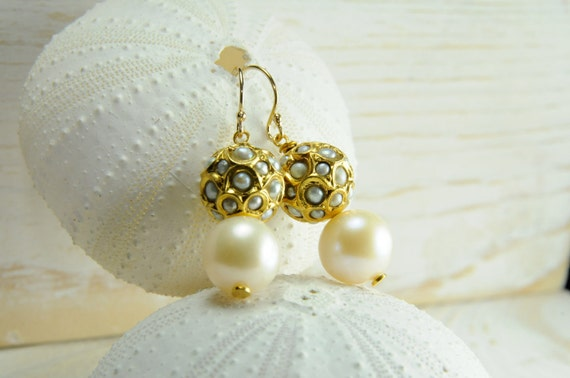 White Pearl and Vermeil Earrings/ Bridal Pearl Earring Ideas/ Gold Pearl Earrings for the Bride