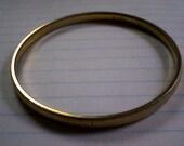 1970's VINTAGE  gold bangle bracelet