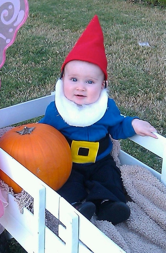 Red Hat with Attached Beard Black Belt with Buckle INFANT COSTUME photo props