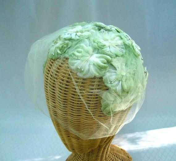 Vintage Ladies Hat Floral Headband Light Green Veil
