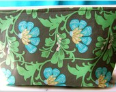 Large Cosmetic Zippered Pouch - Daisy Chain