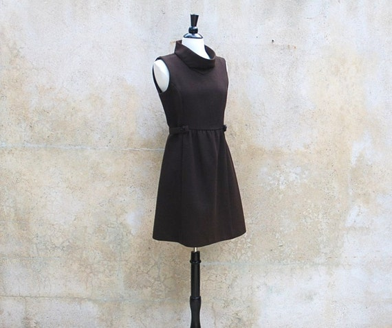 1960s MOD Twiggy dress / 60s brown wool retro vintage dress / medium