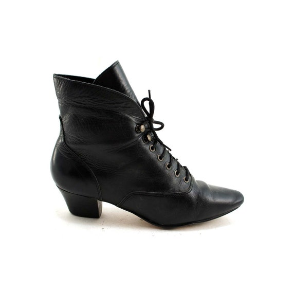 Witch Shoes: Black Leather Pointy Toe Ankle Boots with Pop up or Fold Over Cuff in Women's size 6 1/2
