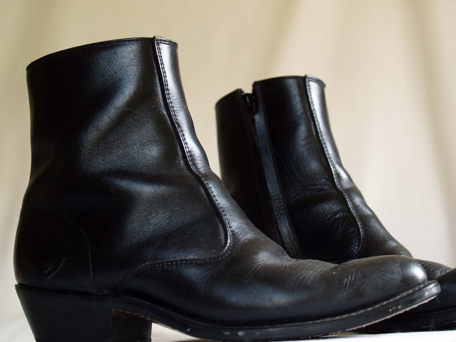 vintage mens cowboy ankle boots. western fashion. black by ShopNDG