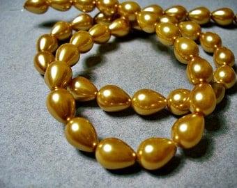 Glass Pearls Gold Teardrop 9x7MM