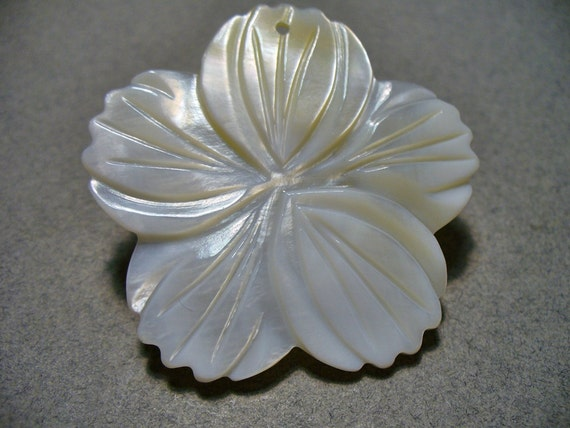 40MM Carved Mother of Pearl Pendant