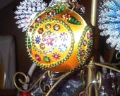 Multicolored flowers gold ornament