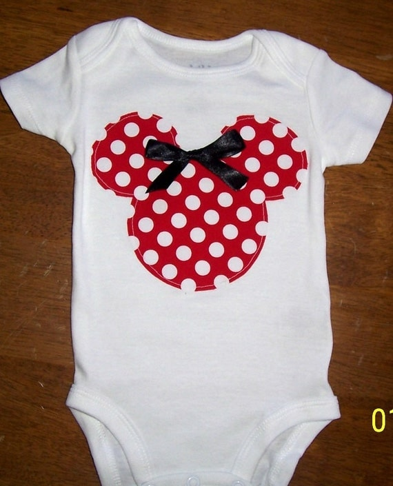 Minnie Mouse Bodysuit Size newborn to 24 month Bodysuit or size 2 or 4 shirt