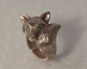 FURRED fox ring, diamond eyes