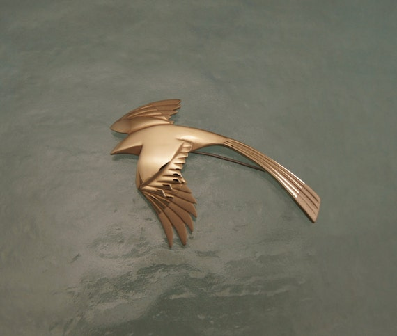 magpie pin, bronze