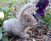 Felt Bunny / Waldorf-style Needle Felted Rabbit Figurine / Miniature Spring Nature Table Easter Decoration / Soft Toy