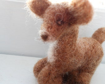 Needle Felted Deer Fawn / Waldorf Wool Animal Toy / Christmas Ornament Nature Table Decoration / Miniature Animal Figurine / Woodland Forest