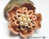 Brooch Hand Felted Flower creamy beige