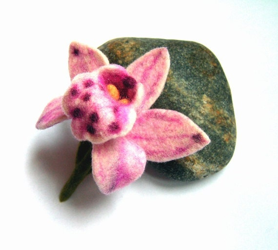 Felt Flower  Brooch or boutonniere  - Orchid purple white
