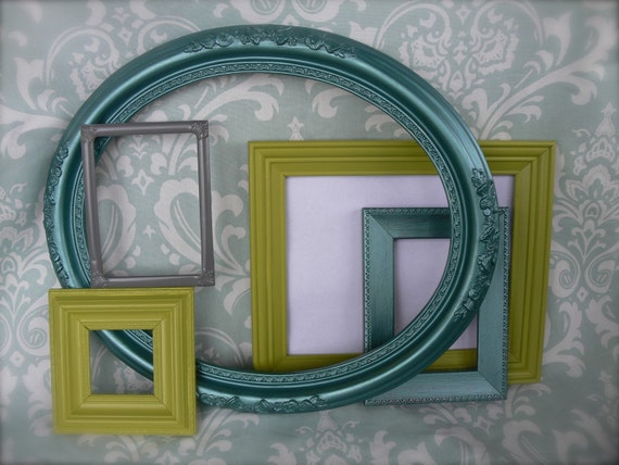Clean Retro Frame Collection Treasury Item