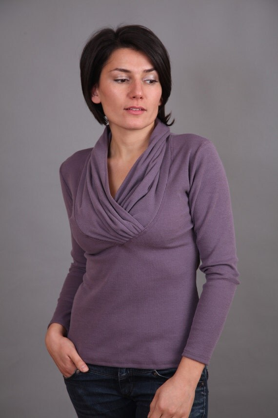 Dusty violet blouse with long sleeves
