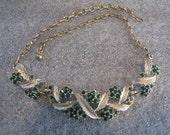 Beautiful Vintage Necklace Green Rhinestone Goldtone