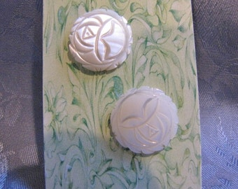 Vintage Carved Mother of Pearl Round Earrings Pierced
