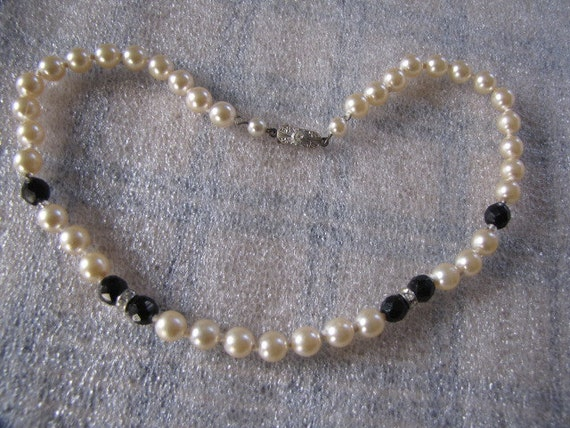 Faux Pearls Black Glass Faceted Beads Rhinestone Spacers Necklace