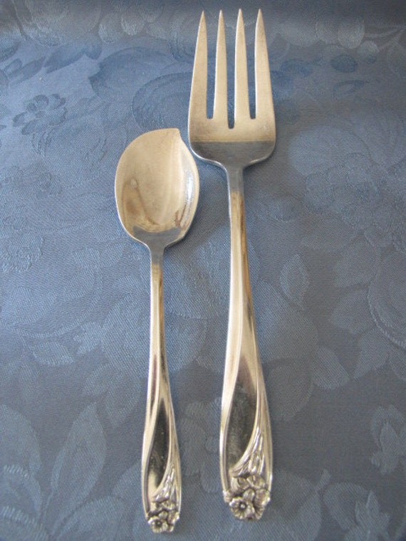 Vintage Flatware 1950 Daffodil 1847 Rogers Hostess Set Jelly Spoon Meat Fork