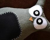 Owl Pillow/ Chidlren's Huggable Toy