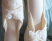 Vintage Cream PinUp Slippers by MADYEs Size 7 Medium