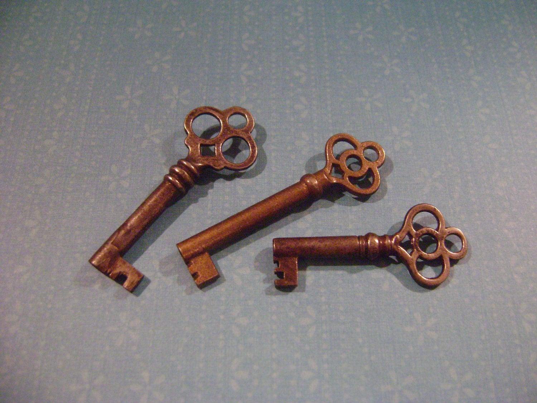 Set of 3 vintage looking keys for Antique looking keys