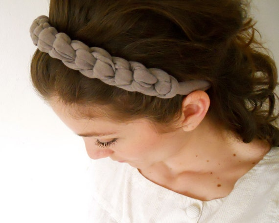 Knotted headband for women in grey color made of elastic fabric