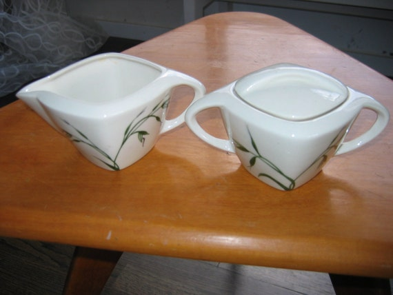 Winfield China Cream & Covered Sugar.  Oats Pattern. Cream and Avocado colors.  Hollywood Regency,  Mid century modern, Danish Modern, Eames era. Deco 1950's.