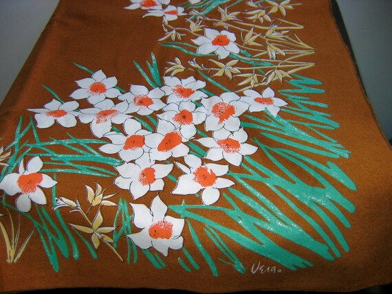 Vintage VERA Rectangle Tablecloth.  White Daffodils on brown. Mid century modern, Danish Modern, Eames era. 1970's.