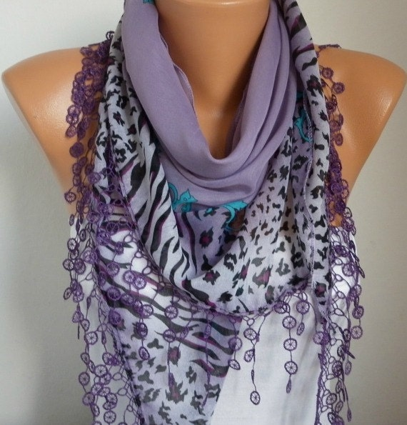 ON SALE - Scarf Shawl - Cotton Weddings Scarves - Cowl with Lace Edge - Lilac