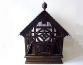 Vintage Birdcage Made of Wood - oppning