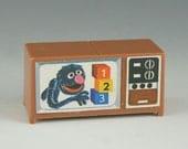 Fisher Price Little People Sesame Street TV- Grover