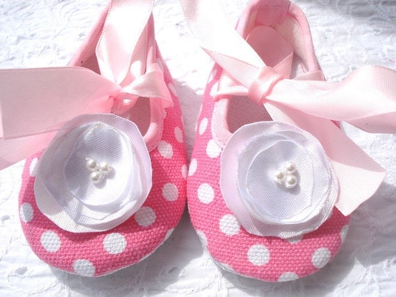Baby Shoes - Pink Polka Dot with White Poppy Flower