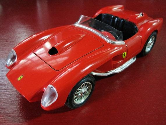 Burago 1957 Ferrari 250 Testa Rossa Convertibe 1/24 Scale - Mint