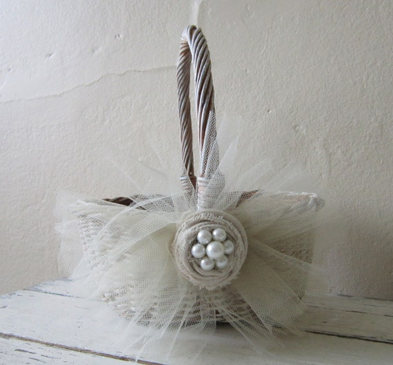 BASKET -  Flower Girl - Wedding - Vintage - Shabby and chic - Cottage chic