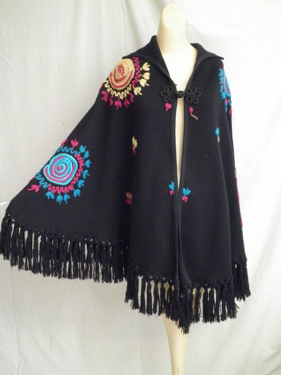Cactus Flower 1970s Vintage Boho Fringed Poncho Colored Embroidery Hippie
