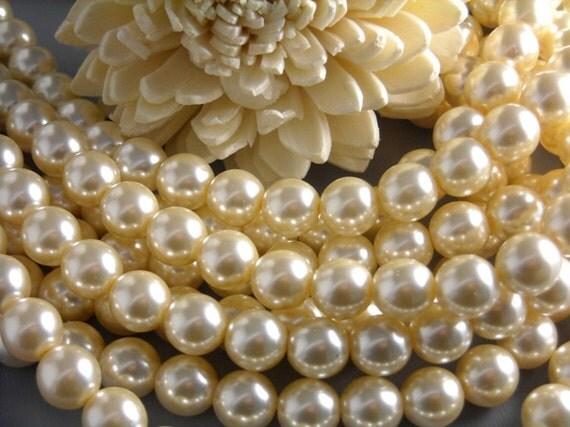 CZECH-PEARLCHAMPAGNE-8MM - Champagne Czech Glass Pearl 8mm...40 beads