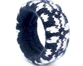 Wool bracelet - snowflake - white and navy blue