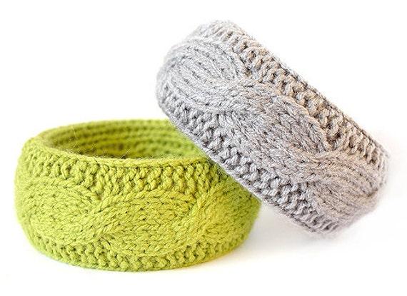Wool bracelet - green & gray
