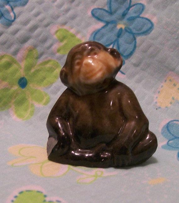 CHIMP - Monkey  --- Vintage Wade England Whimsies- Red Rose Tea