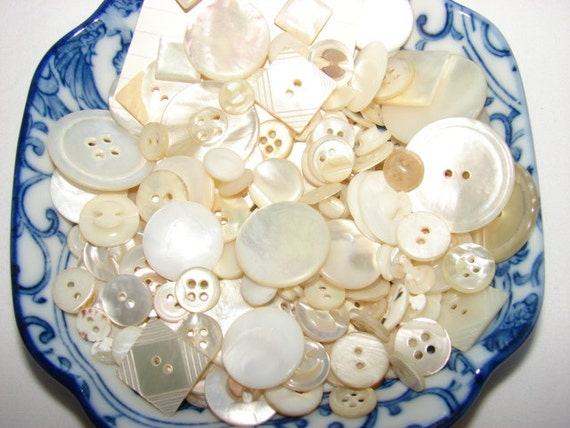 Vintage Mother of Pearl Button Lot MOP Shell Buttons