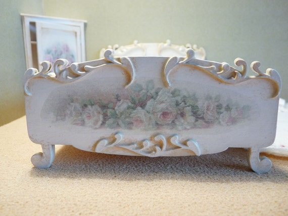Romantic Shabby Chic Style Bed