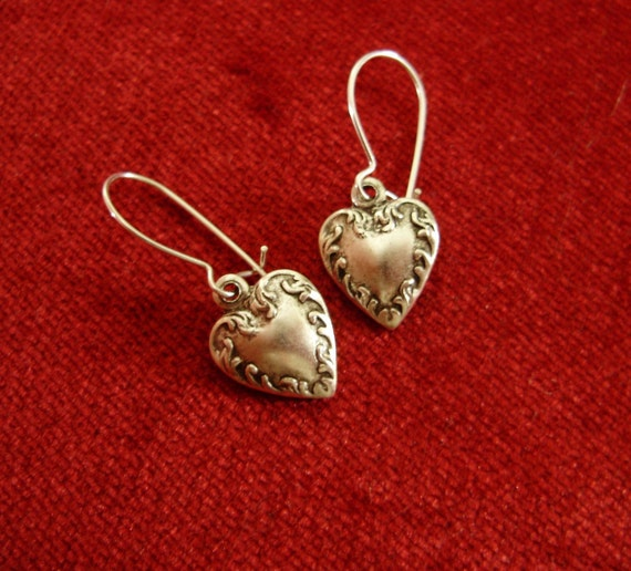 Silver Victorian Heart Earrings - French love gift for her - Fantasy Valentine Engagement Wedding