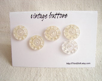 "Vintage Clear Buttons with Cut Crystal-Like Pattern (Set of 5) ""The Hope Diamond Set"" - Collectible, Crafts, Altered Art and more"