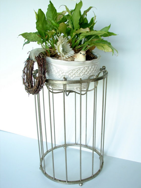 Vintage Metal Wire Stand - Use for plants, bowls, umbrellas and so much more