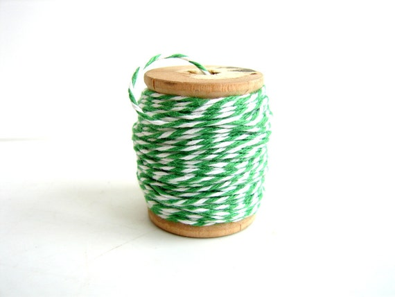 """Green and White Bakers Twine, """"Grass Green"""" (10 yards) on Vintage Spool - Gift Wrapping, Crafts, and more"""