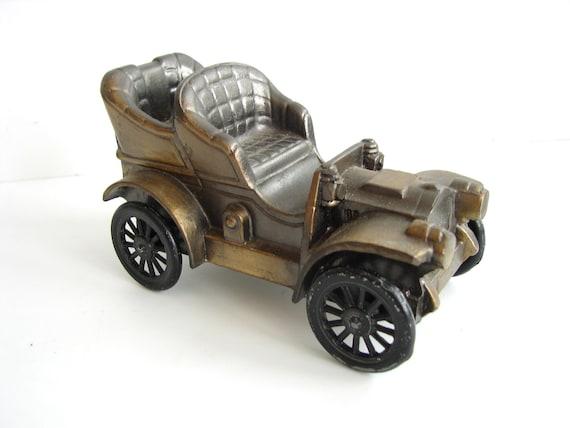 Vintage 1906 Oldsmobile Metal Bank (from 1974), Banthrico Inc. - Collectible, Home Decor, Fun