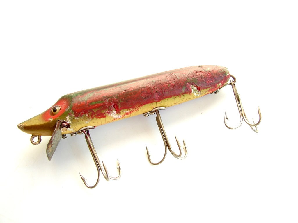 Vintage antique heddon vamp no 7509 fishing lure red for Collectible fishing lures