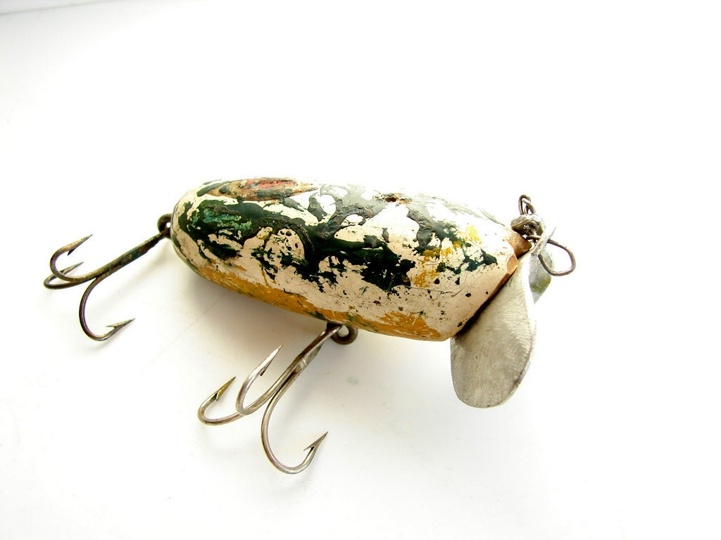 Vintage antique wood jitterbug fishing lure with by for Old wooden fishing lures